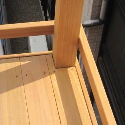 フェンス支柱の形に綺麗にくりぬきが出来ました