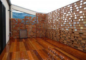 戸建て住宅テラスのウッドデッキ&フェンス